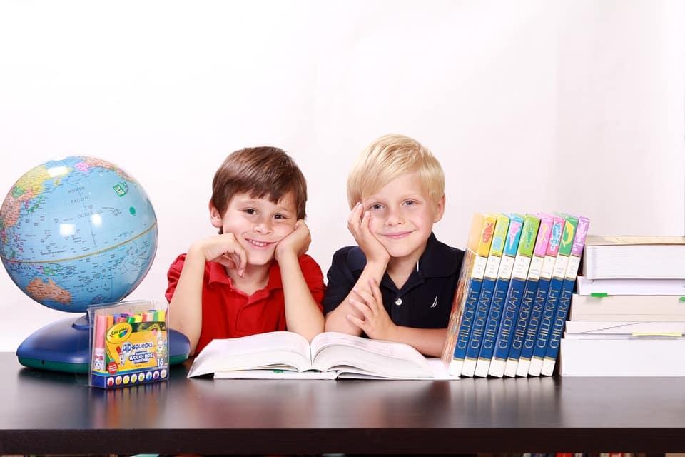 ساعد طفلك على النجاح في المدرسة عبر طرق مميزة وناجعة